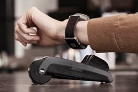 万事达卡在英国,智能手表和开放银行处理更快的付款