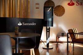智利的桑坦德咖啡店分支机构包括Zytronics生物识别触摸屏
